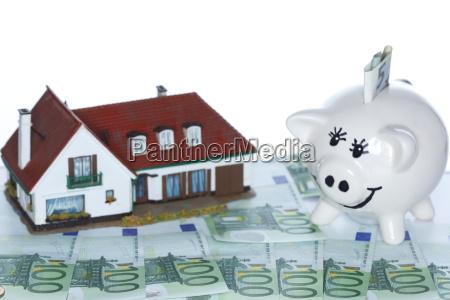 building savings symbol