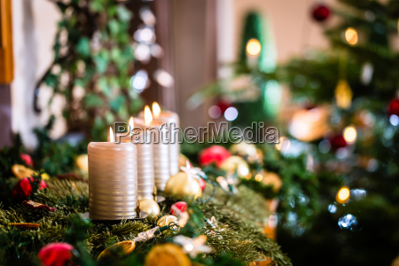 adventskrans og juletrae