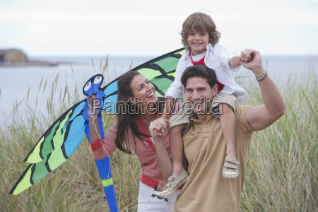 rodzina latawiec w wydmy