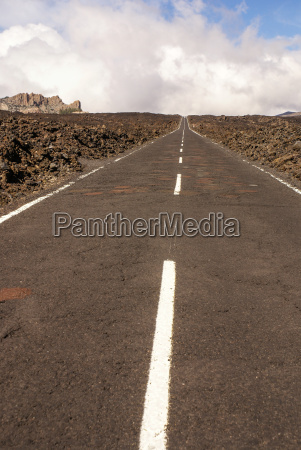 straight road with el teide in