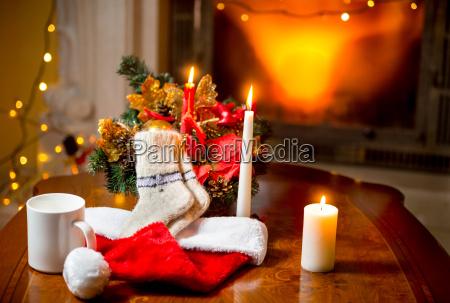 Swiece welnie skarpetki i kapelusz santa