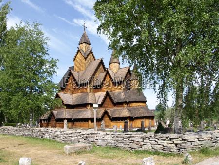 heddal stavkirke w norwegii
