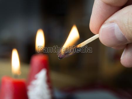 swieczka Swiece zapalka zuendholz palenie bialy