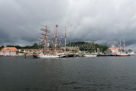 Zeglarstwo transport wodny oblok chmura chmurka