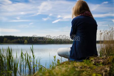 myslenie na jeziorze
