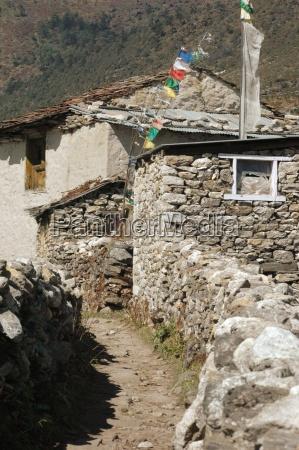 proste mieszkaniem sherpa w himalajach nepalu