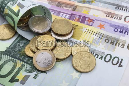 monety i banknoty w euro eur