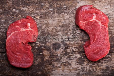 szyba surowy stek ledzwie stek wolowy