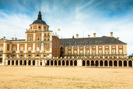 majestic palace of aranjuez in madrid
