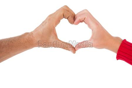 para, podejmowania, kształcie, serca, z, rękami - 13735569