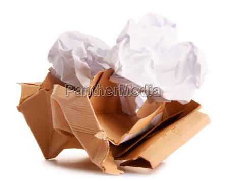 przetwarzac papier odizolowywajacego na bielu