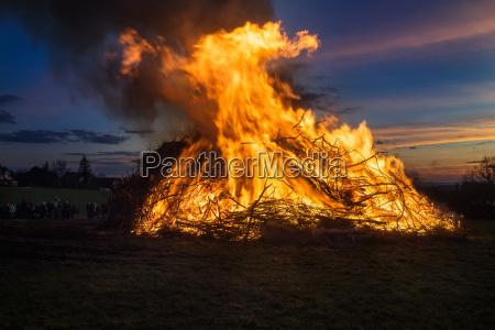 abendrot wieczorne kolory wschod wielkanocne ognisko