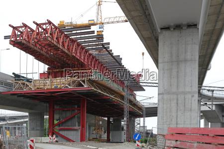 rusztowanie budowlane mostowe