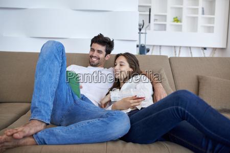 para w nowoczesnym domu przy uzyciu