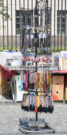 kobieta womane baba obiekt sprzedawac miasto