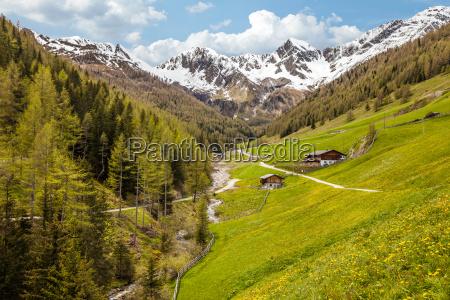 gory alm poludniowy tyrol dolina schronienie