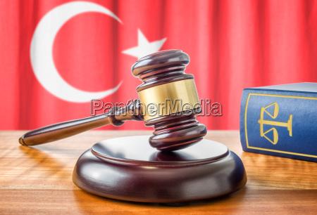 ksiazka mloteczka prawa turcja