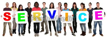 grupa mlodzi ludzie ludzie trzyma wielokulturowa