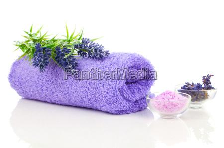 recznik z kwiatow lawendy i sol