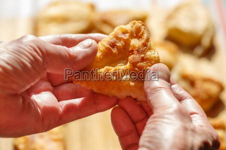 phyllo, cheese, patties - 14939105