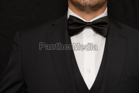 dzentelmen w czarnej krawat
