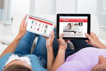 para zakupy online i czytanie wiadomosci