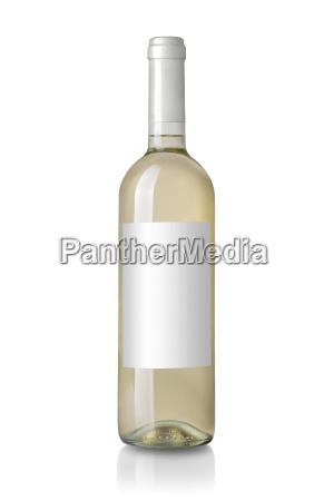biala butelka wina z etykieta
