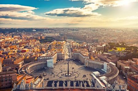 widok z lotu ptaka rzymu z