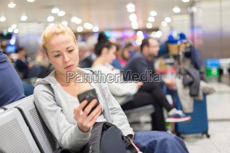 kobieta womane baba telefon czekanie czekac
