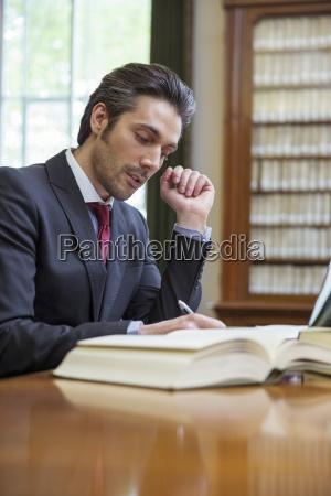 biurko biel pruinose caucasian euro kaukaskiej