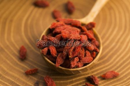 porcja suszonych jagod goji znana rowniez