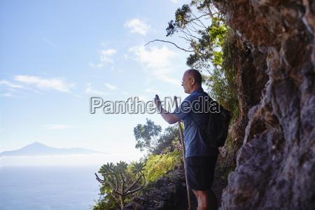 hiszpania wyspy kanaryjskie la gomera turysta