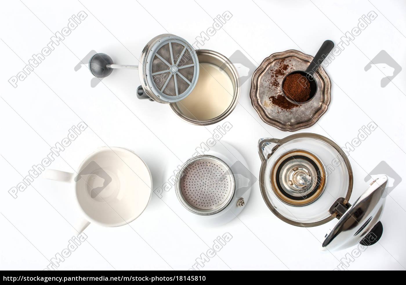 przygotowanie, kawy, ustawionej, na, białym, tle - 18145810
