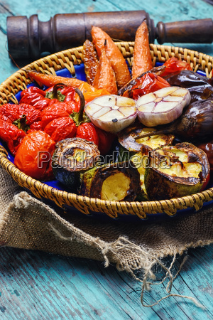 naczynie, z, pieczonymi, warzywami - 18192612