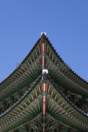 niski kat widzenia rogu dachu pagody