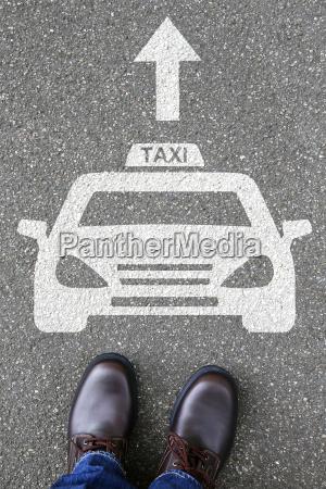 czlowiek droga komunikacja logo pojazd ruch