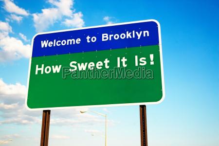 witamy na brooklyn znak