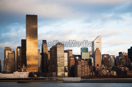 new york city skyline and waterfront