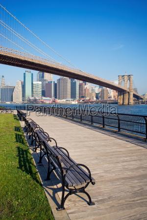 brooklyn bridge and new york skyline