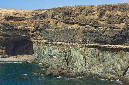 jazda podrozowanie kolor kamien pestka jaskinia
