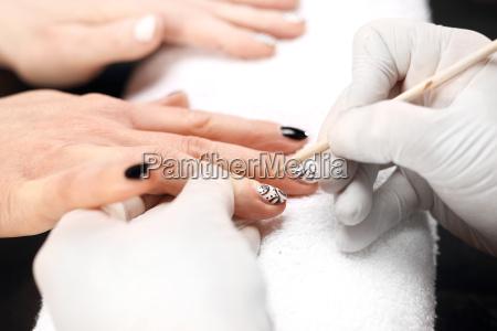 manicure wzory na paznokciach