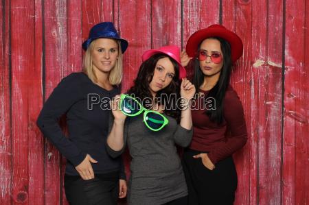 kapelusz okulary przeciwsloneczne okulary dziewczyny czerwone