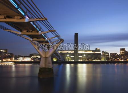 millennium bridge and tate modern at