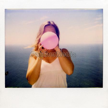 natychmiastowa, fotografia, filmowa, kobiety, wysadzając, balon - 19474284