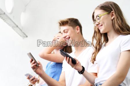 modne aplikacje mlodziezowe zainteresowania mlodziez w