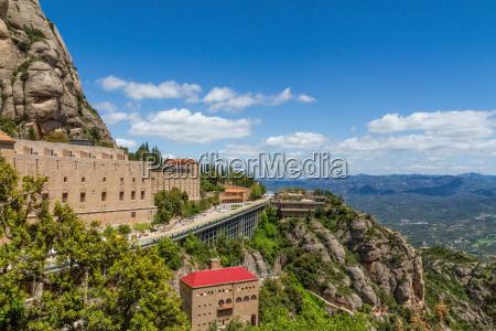 wysoka gora wokol klasztoru santa maria