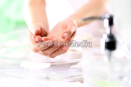 piekne zadbane dlonie kosmetyki pielegnacyjne codzienna