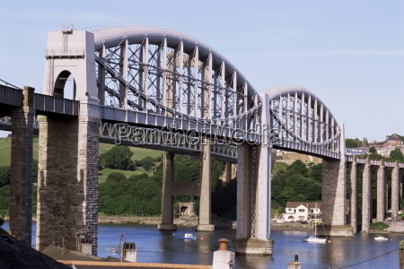 saltash railway bridge over river tamar
