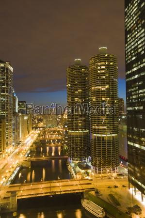 wiezowce podszewka na rzeke chicago i