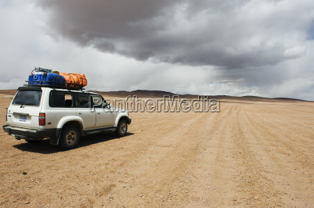 pustynia ruch drogowy transport turystyka poziome
